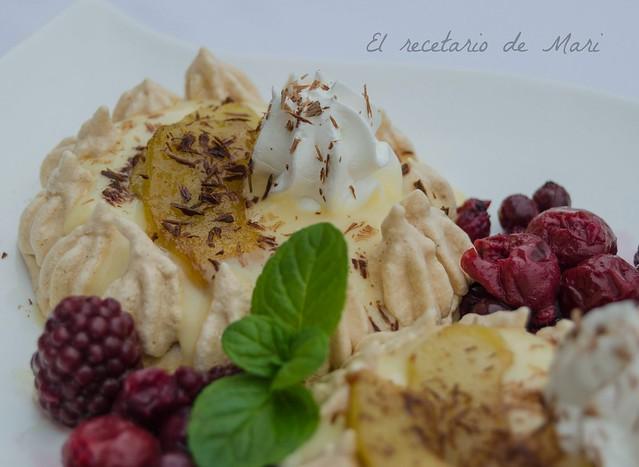 nidos de merengue con natillas y manzana caramelizada (1)