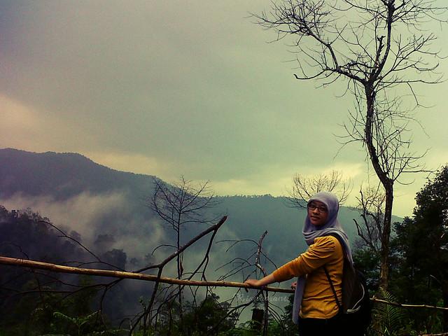 Di kaki gunung desa sirnaresmi cisolok 2 - photo by Rizal