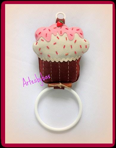 """Porta guardanapo/pano de prato """"Cupcake"""" by artesbybax - Carmen"""