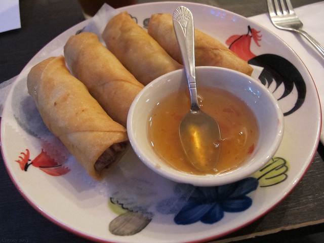 Crispy shrimp Tom Yum spring rolls