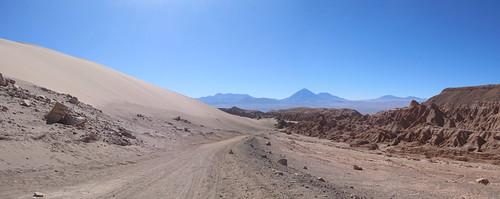 Le désert d'Atacama: une dune de sable, des volcans, un canyon, bienvenues à la Vallée de la Mort !