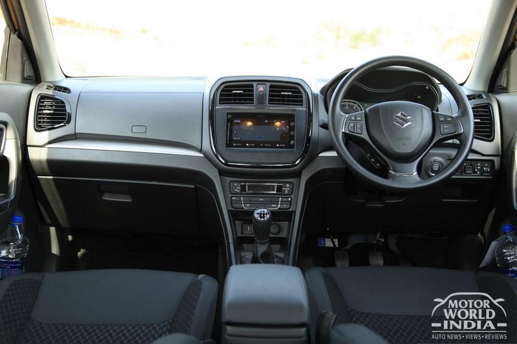 Maruti-Vitara-Brezza-Interior-Dashboard