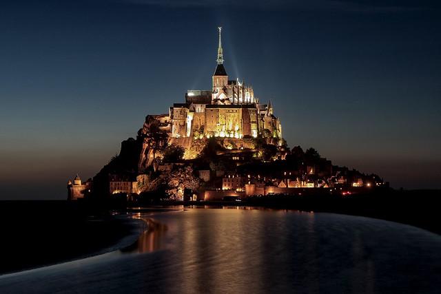 Heure bleue au Mont-Saint-Michel