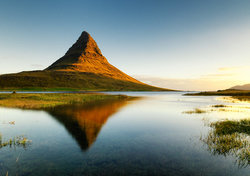 sunrise mountain reflection iceland kirkjufell