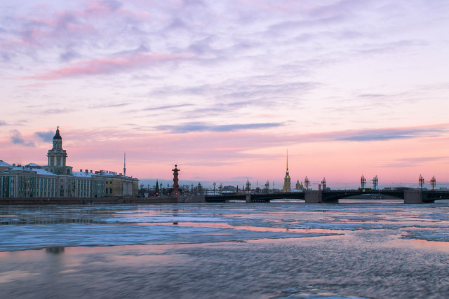Winter sunset in St Petersburg. Photo by Farhad Sadykov
