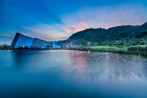 longexposure color reflection water horizontal museum architecture sunrise canon day taiwan windy nopeople clear 夕陽 yilan 宜蘭 sunet 1635mm 倒影 頭城 霞光 蘭陽博物館 canoneos5dmarkiii canon5dmarkiii