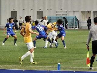 ジョジマール選手も果敢に町田ゴール前に攻め入る