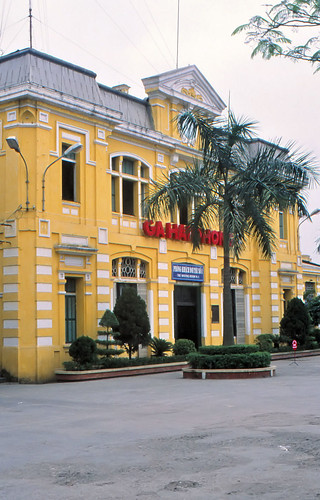 vietnam haiphong ðsvn infra stationbuilding architecture frenchcolonialstyle ciyheritage stationsquare 2003