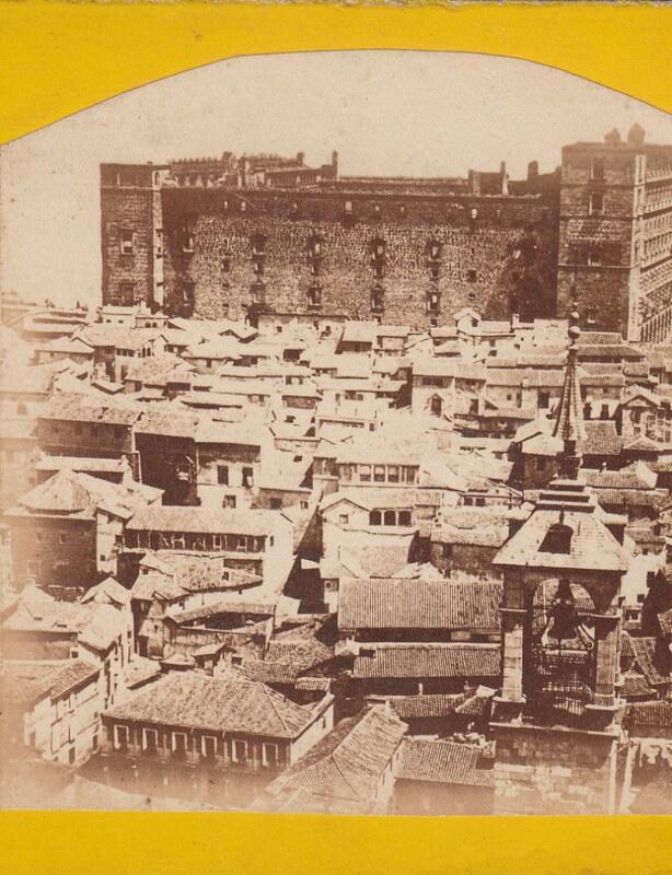 Vista del Alcázar desde la Torre de la catedral en noviembre de 1863. en primer término se ve la Torre del Reloj. Colección Luis Alba.
