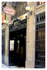 Foto puerta entrada a Can Culleretes