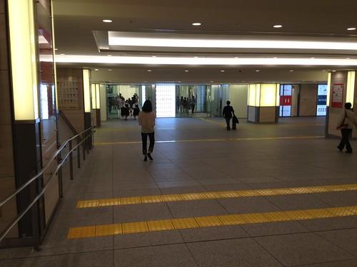 KITTEと東京駅をつなぐ地下道 by haruhiko_iyota