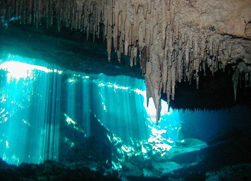 Las estalactitas son peligrosas en muchos tramos Chac Mool, buceando por las cavernas del inframundo - 8709002532 bfa581dfb1 - Chac Mool, buceando por las cavernas del inframundo