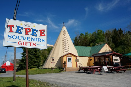 TePee Souvenirs - Tepee Pete's Chow Wagon, US 20, Cherry Valley, New York