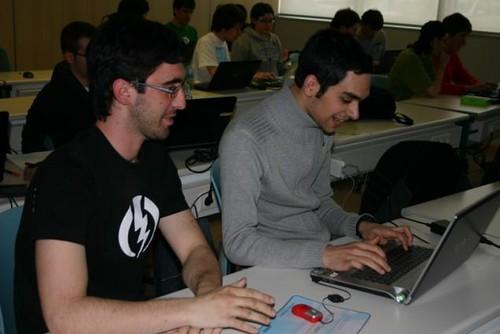 Los alumnos de 3 de grado en informática en pleno MerenDojo