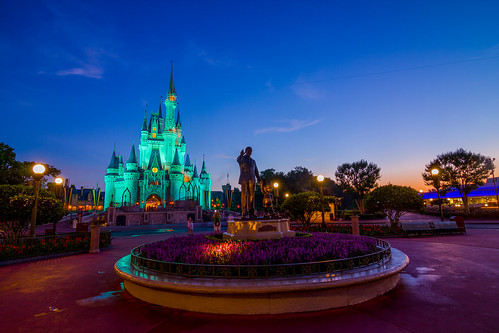 sunrise canon dawn orlando florida wideangle disney tokina mickeymouse bluehour wdw waltdisneyworld hdr magickingdom partners waltdisney cinderellacastle 3xp 60d disney24
