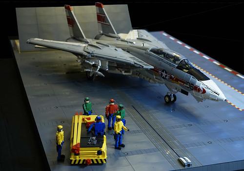 F-14A Tomcat & Deck Crew