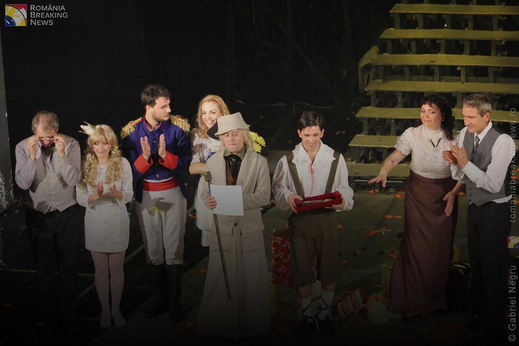 Tetrul_Nottara_si-a_ridicat_oficial_cortina_Trupa_Teatrului_Ginta_Latina_din_Chosinau (29)