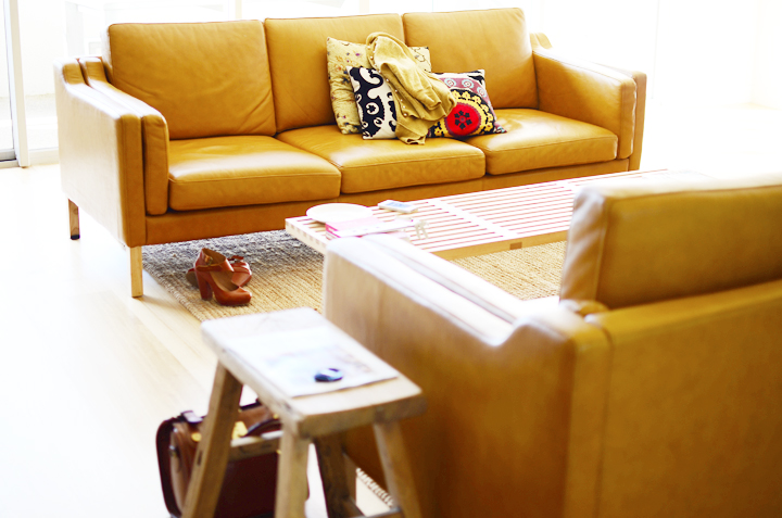 sofas mustards