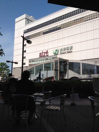 大井町駅前で休憩 by haruhiko_iyota