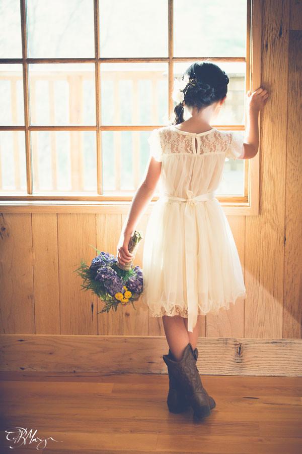 Flowergirl_Window