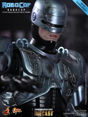 Hot Toys' Robocop preview pics