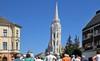 Die Matthiaskirche (Krönungskirche), die bekannteste Kirche der ungarischen Hauptstadt ist Teil des UNESCO-Welterbes. Hier fanden die Krönungszeremonien von Karl I. Robert von Anjou (1309) und Franz Joseph I. (1867) statt.