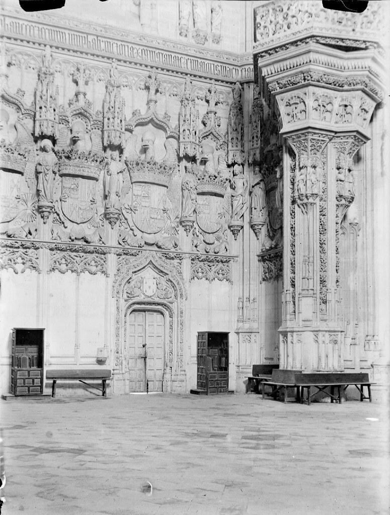 Interior de San Juan de los Reyes en los años 20. Detalle de una Fotografía de Otto Wünderlich. © Fototeca del Patrimonio Histórico