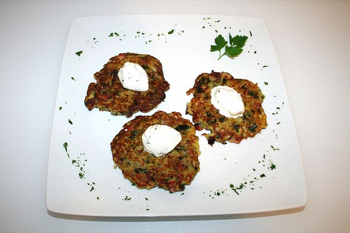 28 - Bärlauch-Schinken-Rösti - Serviert / Bear's garlic ham potato pancake - Served