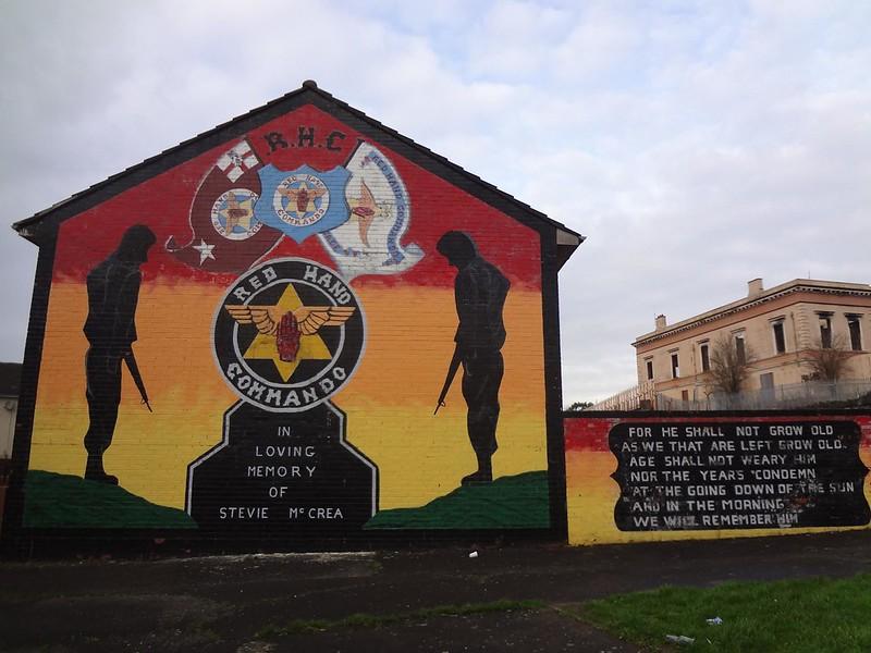 Murais políticos pintados em Belfast