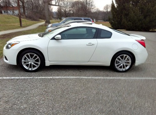 in 2012 altima coupe 3 5sr for sale nissan forum nissan forums. Black Bedroom Furniture Sets. Home Design Ideas