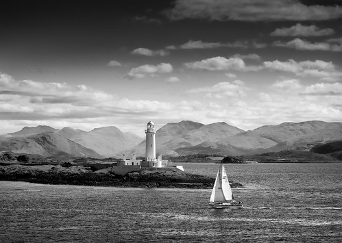 Oban to Craiglure Ferry b/w. Scotland.