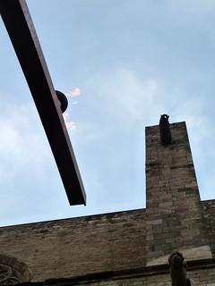 Attēls no Fossar de les Moreres. city sky sculpture tower church statue metal architecture clouds spain alley europe arches lane metropolis