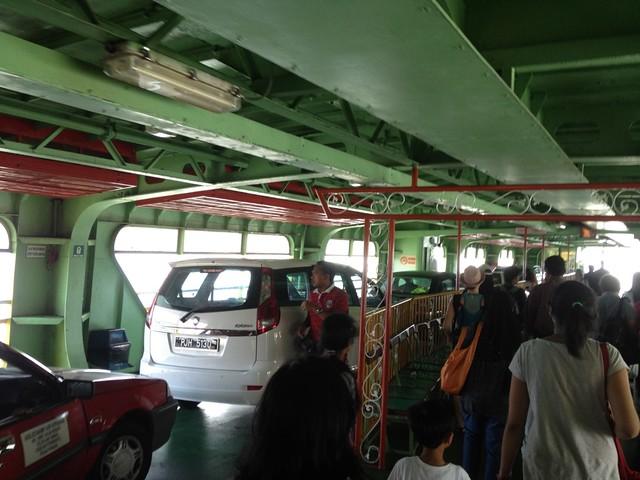 Внутри парома на Пенанг
