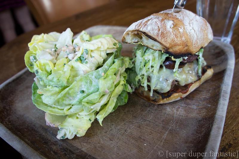 Le Pigeon - Burger