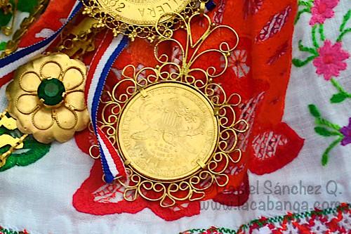 Moneda con corona