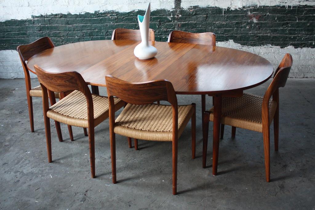 Vintage Handsome Hans Wegner Danish Expandable Mid Century Modern Teak Dining Table for Andreas Tuck Denmark
