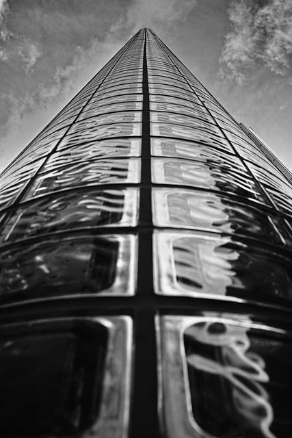20120721_04_HERMES Building