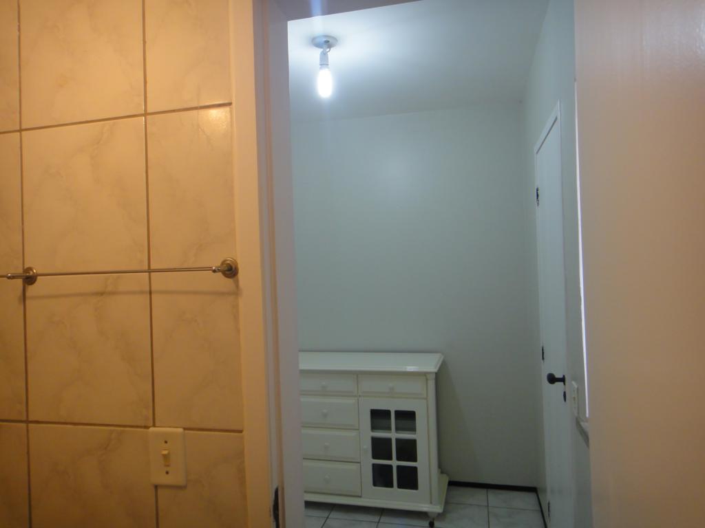 Construindo meu Home Studio - Isolando e Tratando - Página 6 7650935742_95084aa0c8_b
