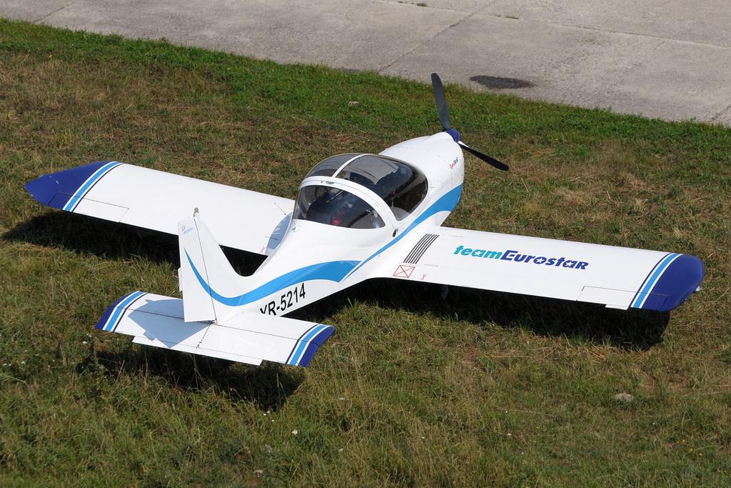 Fly-in @ Floreni - Mitingul cailor putere - Poze 7677966314_190fa47323_o