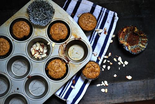 paleo banana almond muffins