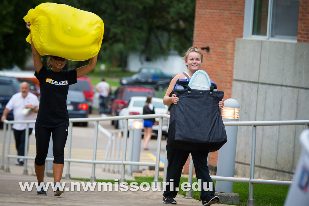 move in day fall2016 tw 06674