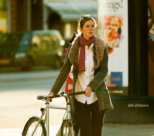 street sunset people fashion bike bicycle copenhagen fur denmark cycling cyclist skin bicicleta cycle biking bici 自行车 velo fahrrad vélo sykkel fiets rower cykel urbanlife 自転車 accessorize copenhague サイクリング デンマーク サイクル мода велосипед 哥本哈根 コペンハーゲン 脚踏车 biciclettes 丹麦 cyclechic cycleculture الدراجة дания копенгаген copenhagencyclechic 骑自行车 copenhagenize bikehaven copenhagenbikehaven velofashion copenhagencycleculture 的自行车