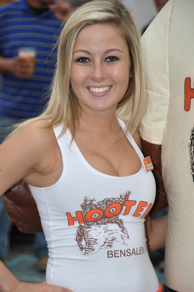 Abby Hooters Calendar May : Hooters girls sex porn images