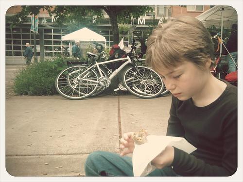 Pre-Teen Girl Eats Crepe #LiG2012