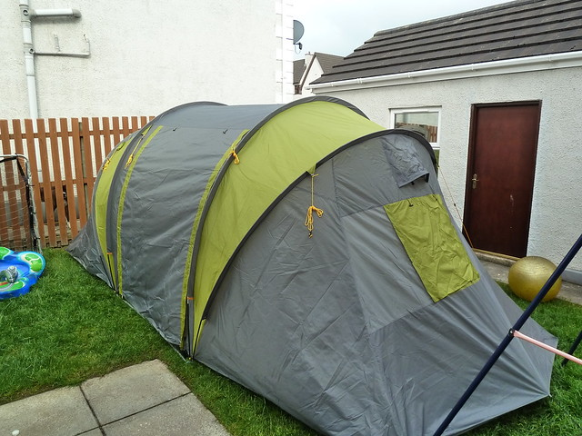 ... bedroom on either end. Looks like a great job for dipping-the-toe-in for a bit of family c&ing. When I say  dipping-the-toe-in  I really mean my wife ... & Tesco 6 man tent