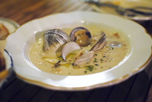 clam chowder farm-raised clams, neuske's bacon, weiser farms pee wee potatoes