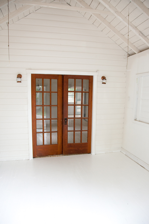 cottage_white_painted_floors-1