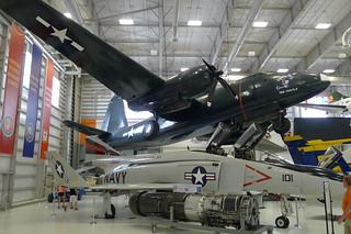 Lockheed P2V-7 Neptune & McDonnell Douglas F-4 Phantom II