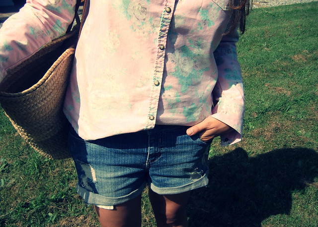 Look Camisa flores Denim