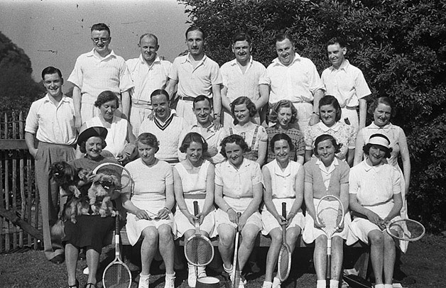 Welshpool Tennis Club team and Oswestry Church Tennis Club team, at Welshpool